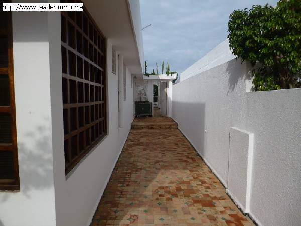Rabat Harhoura Villa à louer 300 m²