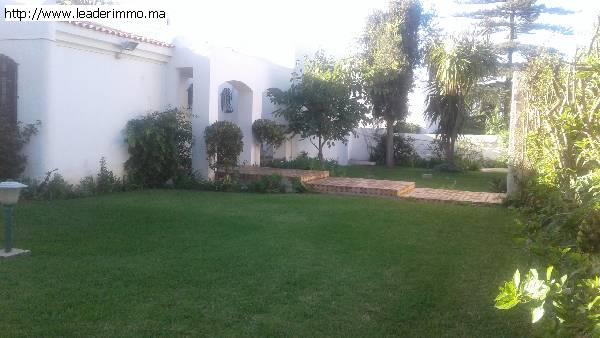 Offre similaire : Rabat Souissi villa en location 1850 m²