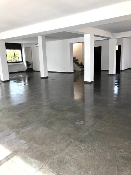 Plateau bureau villa neuf à louer