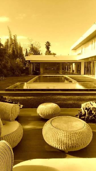 Grande et magnifique villa neuve et moderne à vendre.